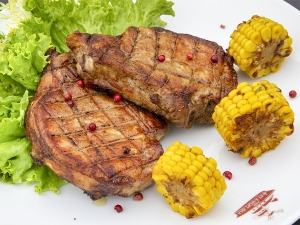 Стейк зі свинини на кістці (челогач)