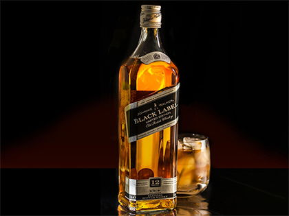 Віскі Black Label з льодом